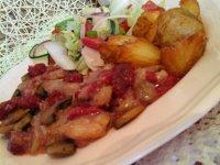 Málnás csirke szeletek-citromos vinaigrette salátával és steak burgonyával9