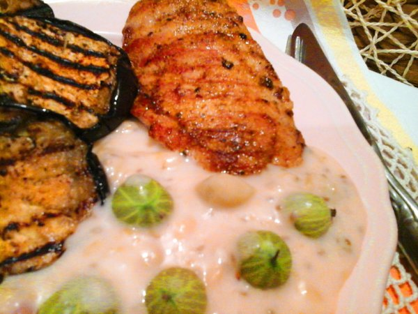 Ízőrzők: Egresmártás grillezett csirkemellel és padlizsánnal...